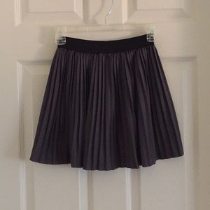 Dresses & Skirts - Gray Pleated Short Skirt